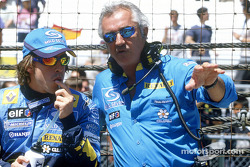 Fernando Alonso and Flavio Briatore on the starting grid