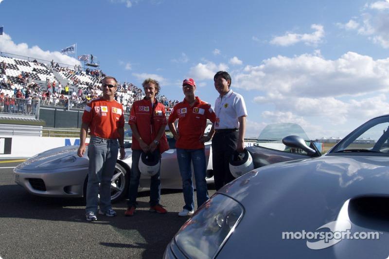 Michael Schumacher, Ferrari, Rubens Barrichello, Ferrari, und Ärzte