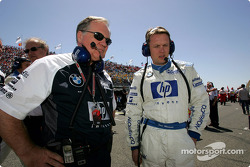 Patrick Head and Sam Michaels on the starting grid