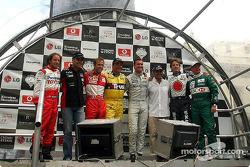 Pilotos participantes: Cristiano da Matta, Zsolt Baumgartner, Luca Badoer, Nigel Mansell, David Coul