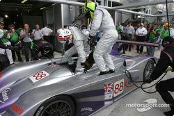 Driver change for #88 Audi Sport UK Team Veloqx Audi R8: Jamie Davies, Johnny Herbert, Guy Smith