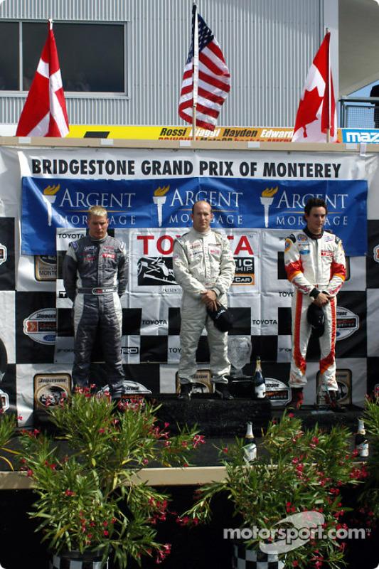 Podium : le vainqueur Jon Fogarty avec Ronnie Bremer et Andrew Ranger