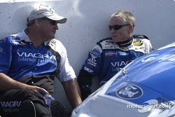 Mark Martin chats with Pat Tryson