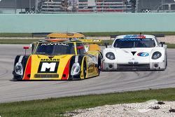 La Pontiac Riley n°9 Mears Motor Coach Speedsource : Paul Mears Jr., Mike Borkowski, et la BMW Fabcar n°7 Southard Motorsports : Shane Lewis, Steve Southard