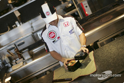 Takuma Sato tries his hand at cooking Japanese cuisine