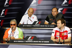 Vijay Mallya Force India F1 Takım Sahibi, Pat Symonds, Renault F1 Team,Direktör, mühendising, Colin Kolles, Hispania Racing Team, Takım Patronu HRT, Aldo Costa, Scuderia Ferrari,