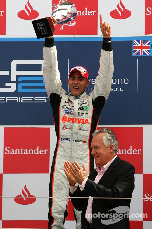 Podium: race winnaar Pastor Maldonado