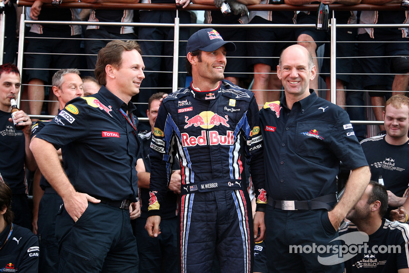 Red Bull Racing team viert zege Mark Webber, Red Bull Racing, Mark Webber, Red Bull Racing, Christian Horner, Red Bull Racing, Sporting Director, Adrian Newey, Red Bull Racing, Technical Operations Director