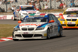 Stephano D'Aste leads Mehdi Bennani and Tom Coronel