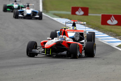 Stefano Coletti leads Felipe Guimaraes