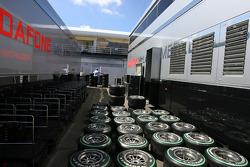 McLaren Mercedes trucks, Bridgestone tyres