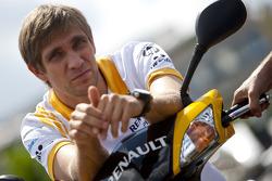 Vitaly Petrov Renault F1 driver