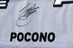 Signature du poleman Tony Stewart, Stewart-Haas Racing Chevrolet
