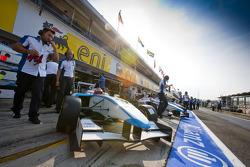 Mirko Bortolotti and the team in the pits