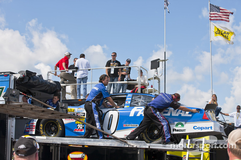 Roush crew met reservawegen Carl Edwards voor Citifinancial driver, Ricky Stenhouse na crash