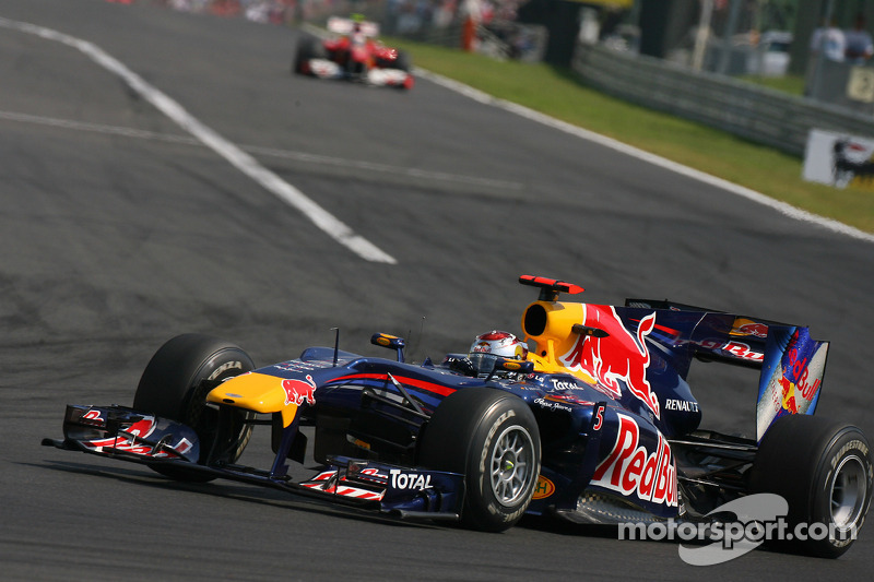 Sebastian Vettel, Red Bull Racing voor Felipe Massa, Scuderia Ferrari