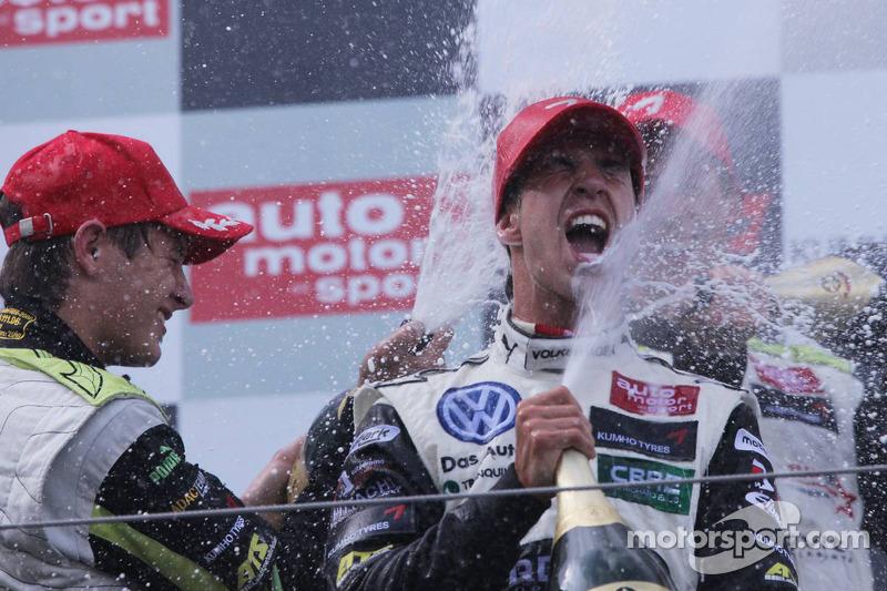 Podium: winnaar Antonio Felix da Costa, Motopark Academy, Dallara F308 Volkswagen