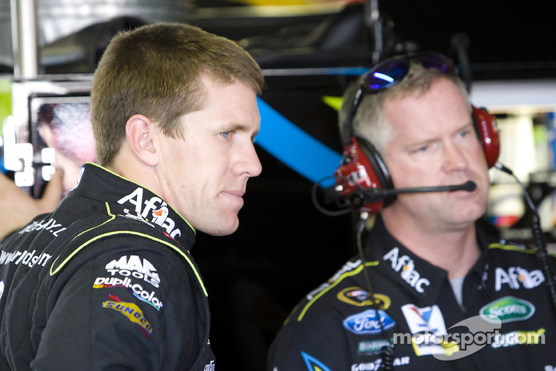 Carl Edwards, Roush Fenway Racing Ford en Bob Osborne