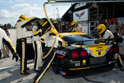 Pitstop #3 Corvette Racing Chevrolet Corvette ZR1: Jan Magnussen, Johnny O'Connell