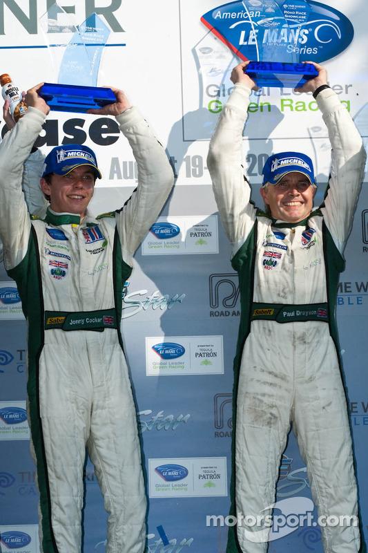 LMP podium: klasse en algemeen winnaars Paul Drayson en Jonny Cocker