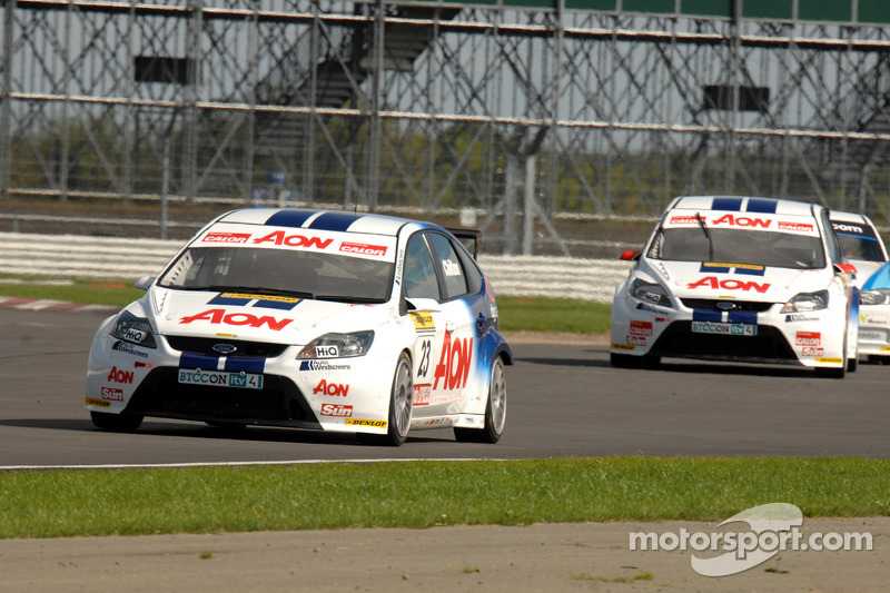 Tom Chilton voor Tom Onslow-Cole en Rob Collard