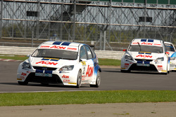 Tom Chilton leads Tom Onslow-Cole and Rob Collard
