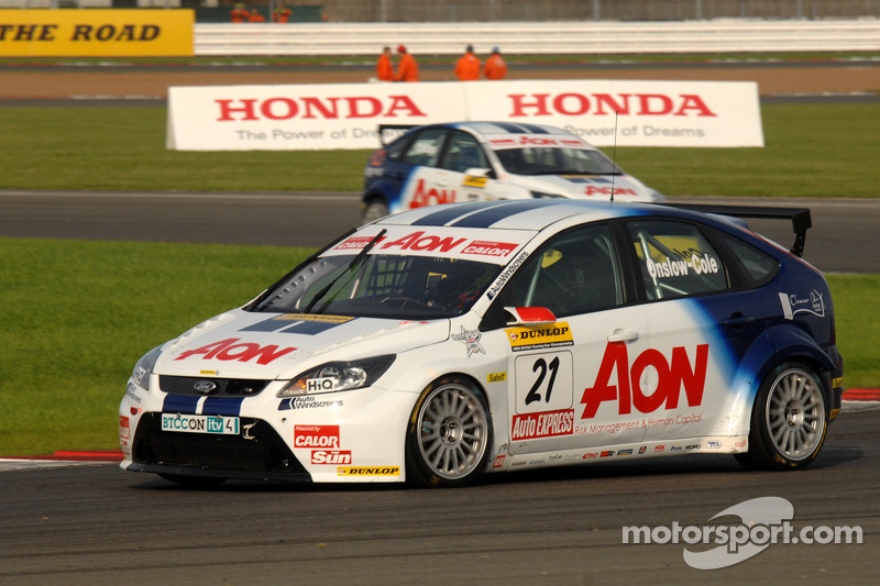 Tom Onslow-Cole voor Tom Chilton