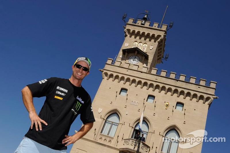 Colin Edwards, Monster Yamaha Tech 3 gaat fietsen
