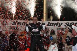 Victory lane: race winner Helio Castroneves, Team Penske celebrates