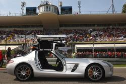 La voiture de sécurité Mercedes