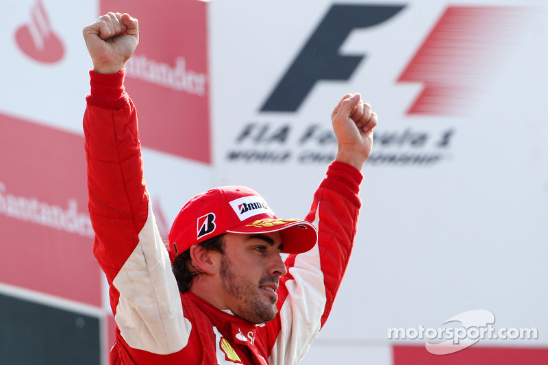 Podio: el ganador de la carrera, Fernando Alonso, Scuderia Ferrari