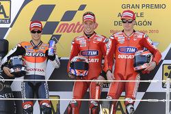 Podium: Sieger Casey Stoner, Ducati Marlboro Team; 2. Dani Pedrosa, Repsol Honda Team; 3. Nicky Hayden, Ducati Marlboro Team