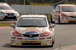 Matt Neal leads Gordon Shedden and Tom Chilton