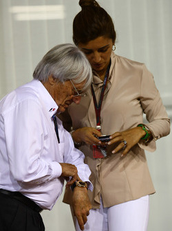 Bernie Ecclestone with Fabiana Flosi girlfriend of Bernie Ecclestone