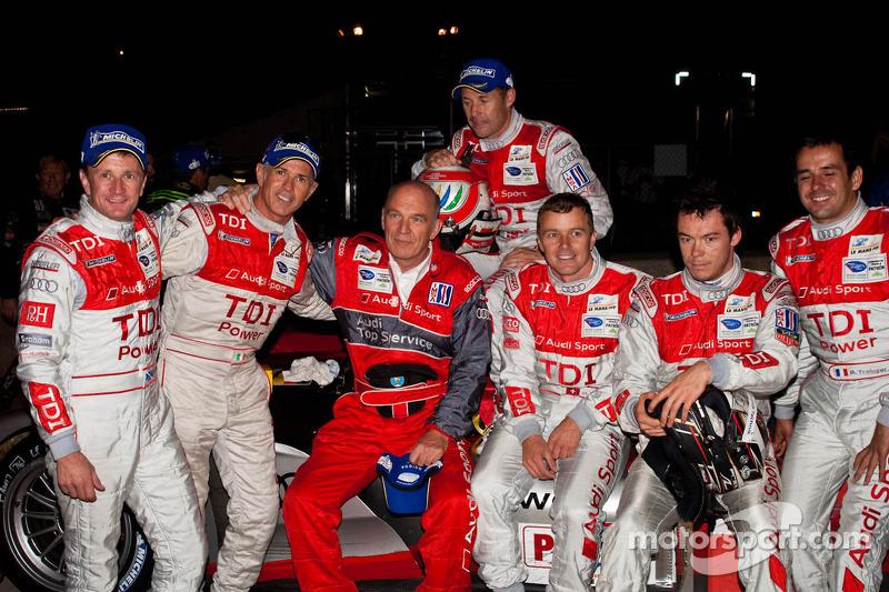 Rinaldo Capello, Tom Kristensen, Allan McNish, Marcel Faessler, Andre Lotterer en Benoit Treluyer me