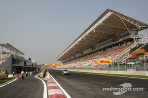 Main straight and pitlane exit