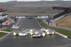 Start: #25 Reiter Lamborghini Murcielago R: Ricardo Zonta, Frank Kechele leads the field