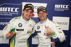 Augusto Farfus, BMW Team RBM BMW 320si second and Andy Priaulx, BMW Team RBM BMW 320si on pole