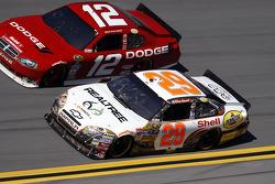 Brad Keselowski, Penske Racing Dodge, Kevin Harvick, Richard Childress Racing Chevrolet