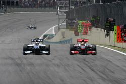 Nico Hulkenberg, Williams F1 Team and Lewis Hamilton, McLaren Mercedes