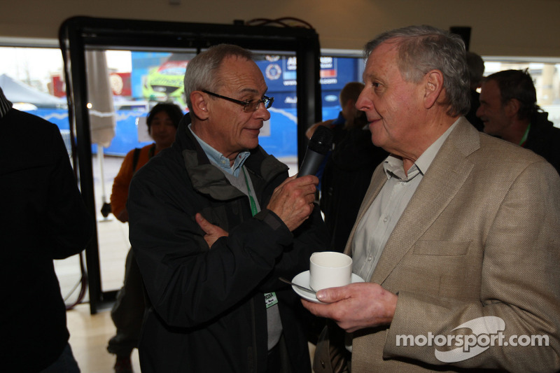 Rally legende Jimmy McRae interview met Mike Broad, Ford Focus RS WRC Party in Cardiff's Millennium