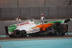Витантонио Льюцци, Force India F1 Team, и Михаэль Шумахер, Mercedes GP