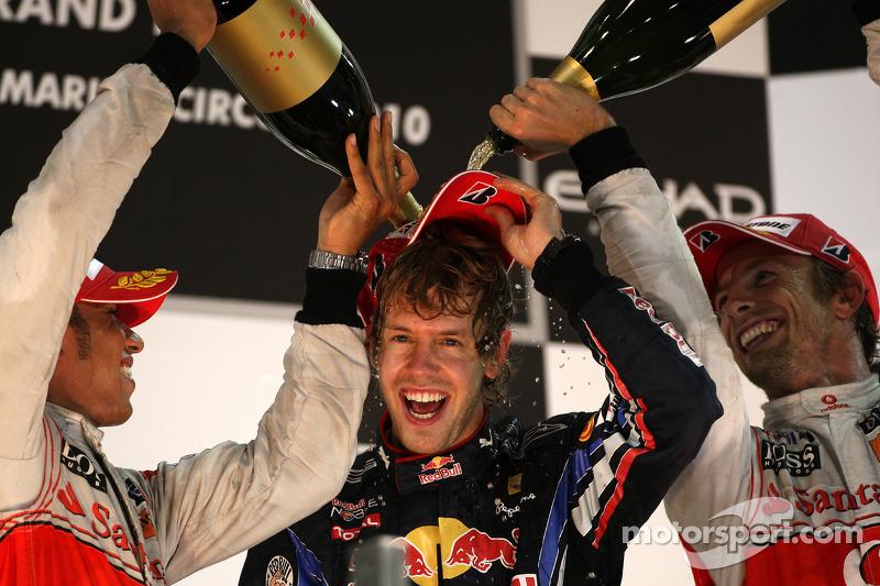 2010 - Grand Prix von Abu Dhabi: Sebastian Vettel, Red Bull Racing RB6