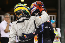 Bruno Senna, Hispania Racing F1 Team en Mark Webber, Red Bull Racing