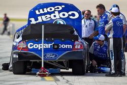 Auto en teamleden van Carl Edwards