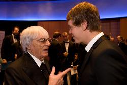 Президент FOM - Берни Экклстоун и чемпион Формулы 1 - Себастьян Феттель