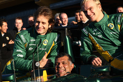 Jarno Trulli, Team Lotus, Tony Fernandes, Team Lotus, Team Principal, Heikki Kovalainen, Team Lotus