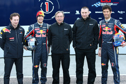 Christian Horner, Red-Bull-Racing-Teamchef; Sebastian Vettel, Red Bull Racing; Jean-Francois Caubet,