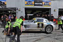 #8 Black Falcon Mercedes Benz SLS AMG GT3: Ralf Schall, Tim Pappas, Bret Curtis, David Horn in the pits with damage