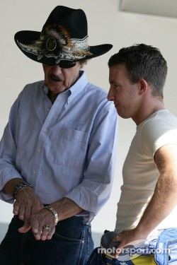Richard Petty with A.J. Allmendinger, Richard Petty Motorsports Ford